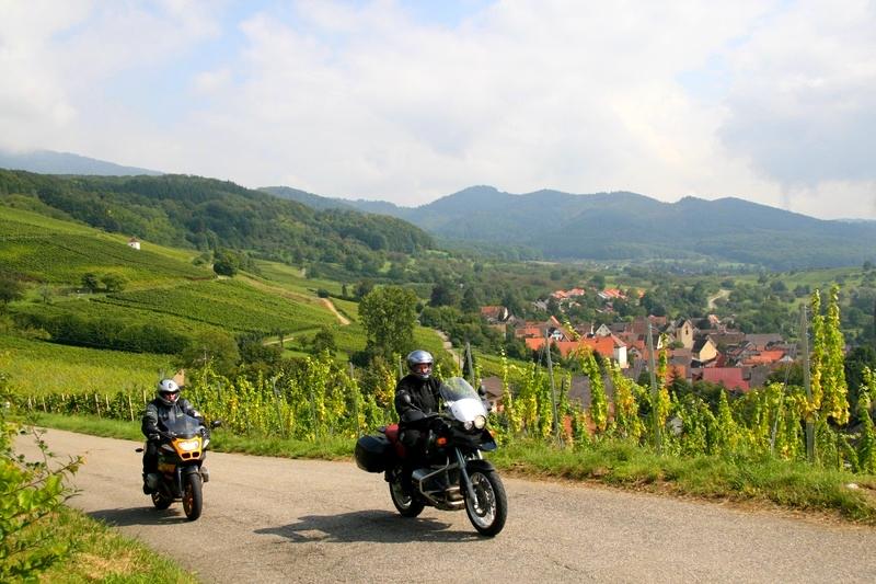 week end moto en for t noire voyage moto en europe. Black Bedroom Furniture Sets. Home Design Ideas